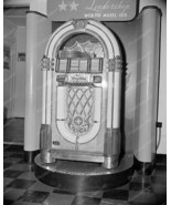 Wurlitzer Jukebox 1015 1946 Introduction Vintage 8x10 Reprint Of Old Photo - $20.20