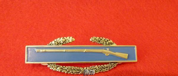 USA Military Combat Pin Award Medallion Sterling Silver Rifle & Blue Enamel