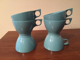 Vintage 1960s 1970s Set Melmac Melamine Cups Aq... - $15.82