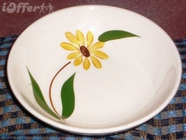 """MID CENTURY MODERN--CANONSBURG POTTERY BROWN EYED SUSAN BERRY BOWL 5 3/8"""" - $6.95"""