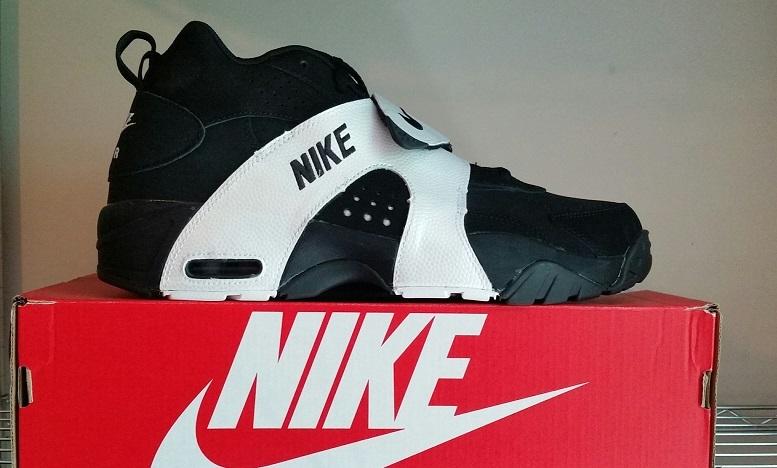 Nike Air Veer Black / Black / White