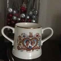 ROYAL WEDDING COMMEMORATIVE MUG WITH 2 HANDLES MINT CONDITION! - $5.00