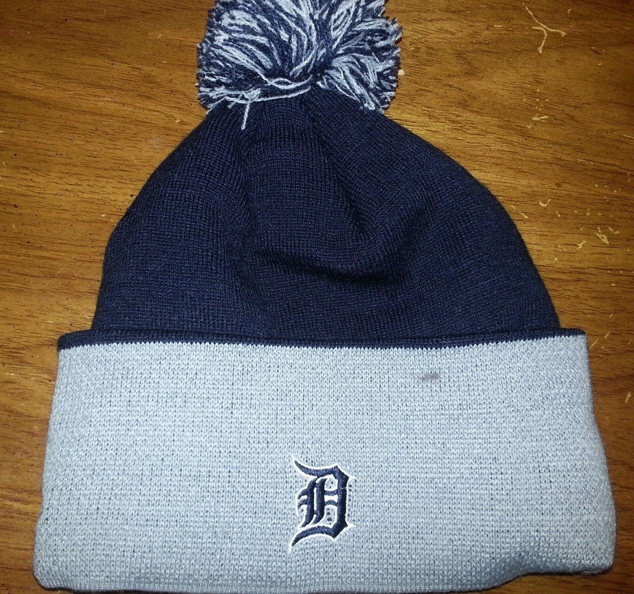 new style f7e1e 0758c NEW MLB New ERA Knit CUFFED BEANIE HAT CAP Pom POM Variety of Teams YANKEES