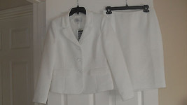 Le Suit Monte Carlo New Vanilla Ice Textured 2PC Skirt Suit  Petites   4... - $45.99