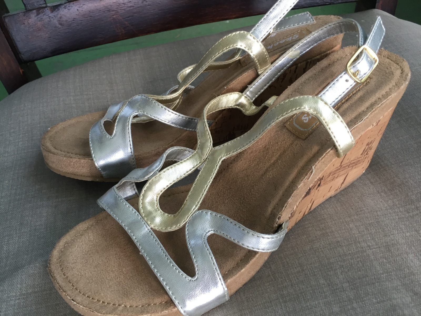 REDUCED! SKECHERS Women's metallic wedge sandals 5.5-6 US