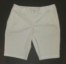 NWT White Shorts 6 P Cotton Spandex Bermuda Chino Petite Front Zip Liz C... - $15.83