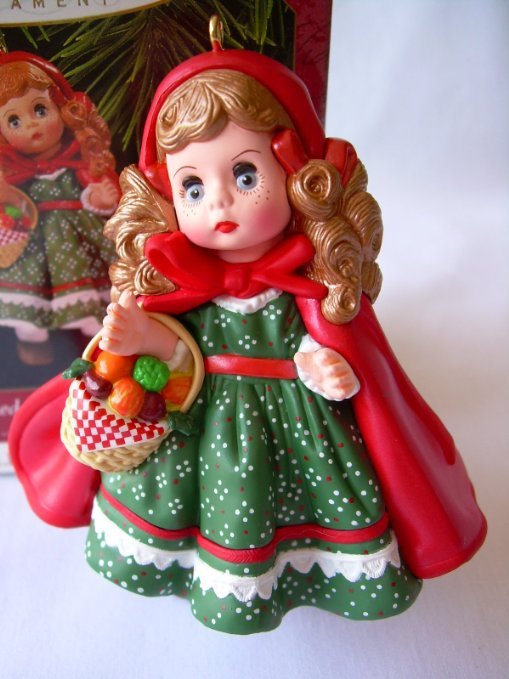 Primary image for Hallmark Keepsake Little Red Riding Hood Madame Alexandar QX6155