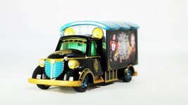 TAKARA TOMY TOMICA Disney Motors Alice Through the Looking Glass Good Day Carry - $31.49