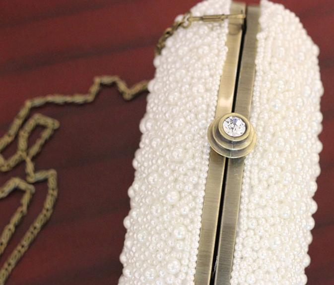 Classy Elegant Pearl Beads Beaded Ivory Clutch. Bridal Clutch. Evening Purse