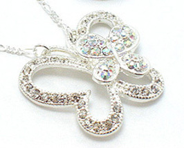 NP19 AB Clear Crystal Butterfly Pendant  - €8,45 EUR