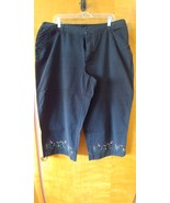 Field Gear Woman Black Cropped Capri Pants Size 20 Embroidered Flowers 4... - $14.99