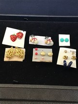 Lot of 10 Vintage Small Pierced Earrings (1467) - $7.50