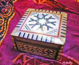 Haunted Chest Full Moon 14X Magnifying Empower Magick 925 Mop Mosaic Cassia4 - $30.00