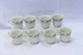 Cambridge Holly Traditions Xmas Cups Lot of 8 - $34.25