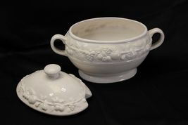 """Over and Back Soup Tureen 9.5"""" image 3"""