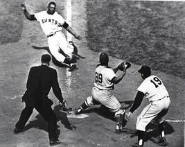 WILLIE MAYS 8X10 PHOTO NEW YORK GIANTS NY PICTURE BASEBALL MLB SLIDING - $3.95