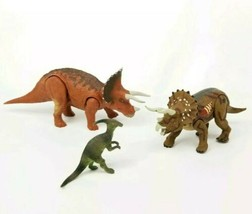 Jurassic Park 3 Re-Ak-A-Tak Triceratops Dinosaur Figures Hasbro Mattel L... - $27.71