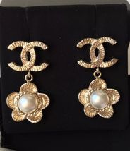 AUTHENTIC Chanel CC Logo Gold Pearl CLASSIC Dangle Earrings NIB STUD  - $429.99