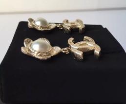AUTHENTIC Chanel CC Logo Gold Pearl CLASSIC Dangle Earrings NIB STUD  image 3