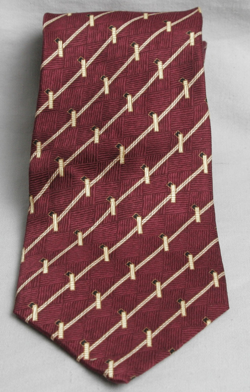 Primary image for Bill Blass Neo BURGANDY GOLD STRIPED Tie Necktie 4""