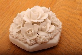 Vintage Porcelain White Flowers Paperweight - $23.36