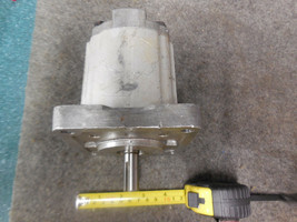PARKER COMMERCIAL 37096 HYDRAULIC PUMP 3200-008 image 2