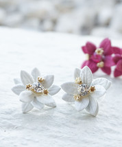 Flower Earrings, Spring Earrings Flower Stud Earrings, Handmade Floral Earrings - $15.95