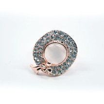 New White Pearl Gem With Crystals Luxurious Beauty Ring - $14.99