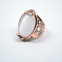 New Oval White Pearl Gem With Crystals Luxurious Beauty Ring - $15.95