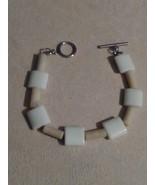 Handcraft Howlite  and Lemon Jade bracelet - $12.50