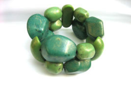 Stylish Unbranded Boho Green Art Deco Stretchy Women's Bracelet w/ Pebbl... - $12.00