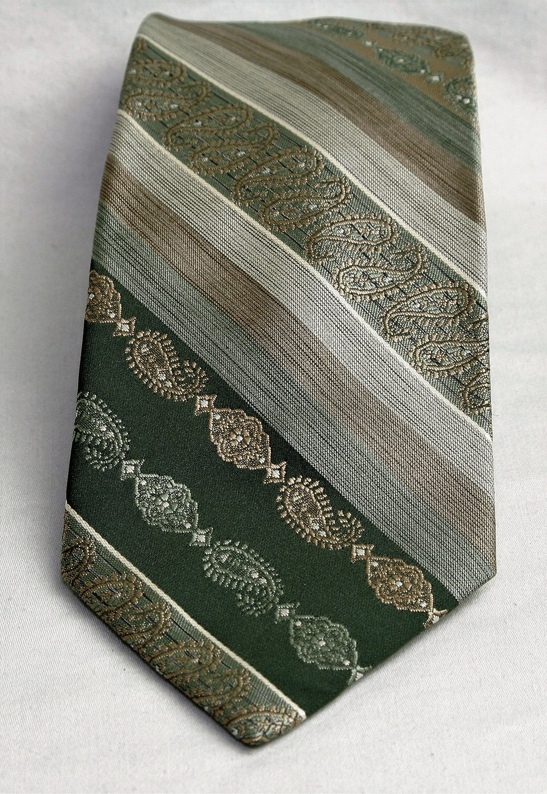 WEMLON by WEMBLEY Necktie, Stripes and Patterns 100% Polyester