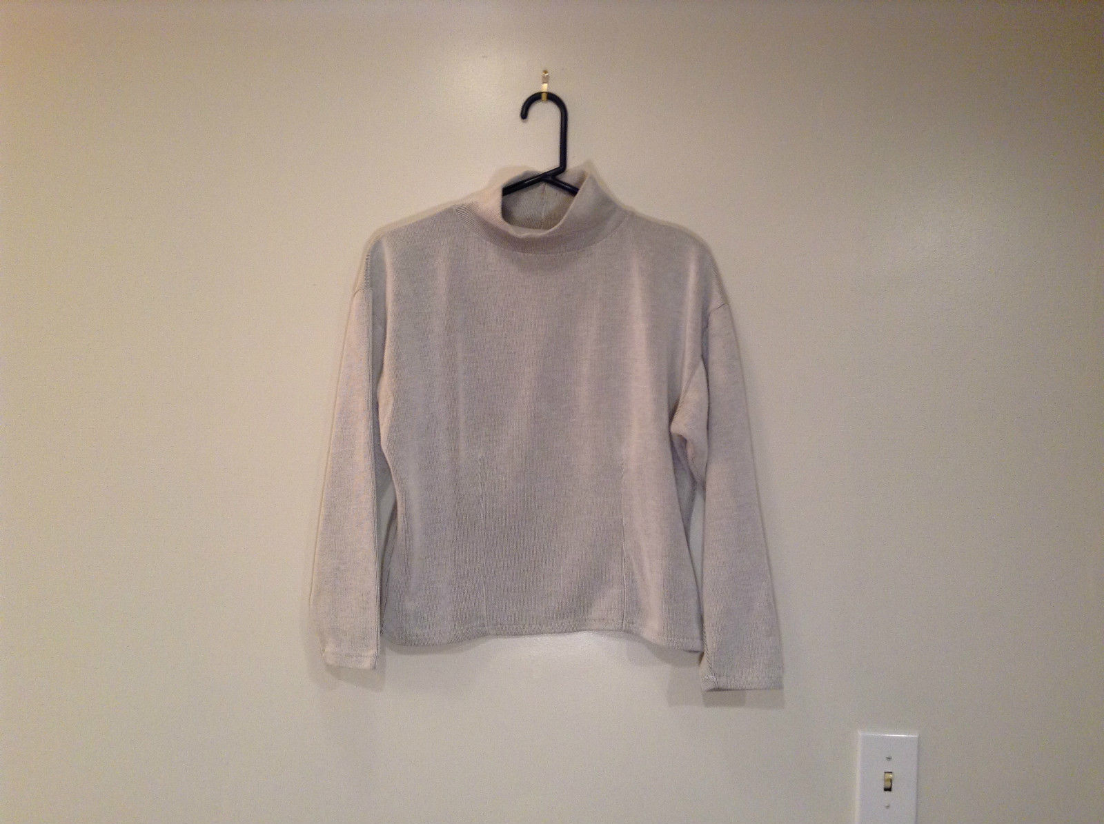 Express Tricot Light Gray Long Sleeve Turtleneck Top Size Medium