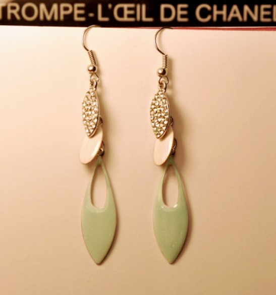 Primary image for Lacquered Leaf with Gem Water Drop Tassel Earrings(Light green)