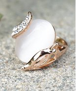 Fox Ring With Moonstone And Swarovski Crystal Fashion Ring Size 9 - $15.68
