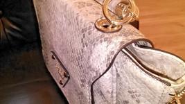 guess handbag gussited sides shoulder strap - $50.48