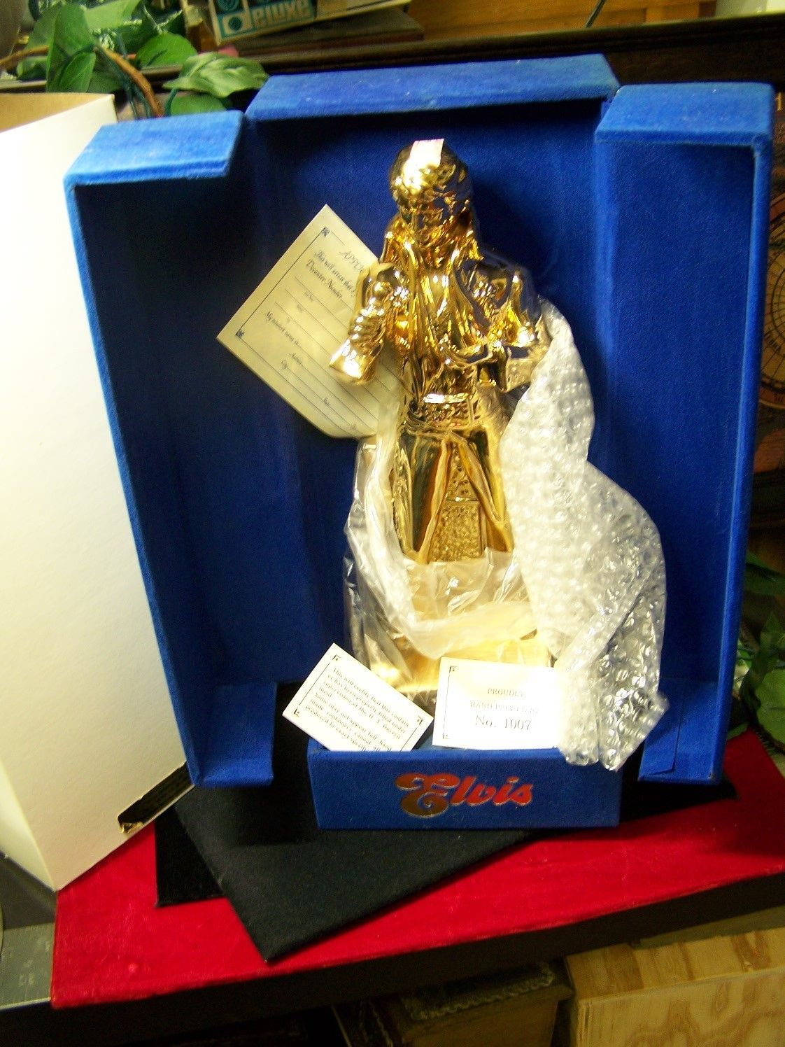 MINT ELVIS PRESLEY GOLD McCORMICK LIQUOR DECANTER MUSIC BOX SEALED RARE