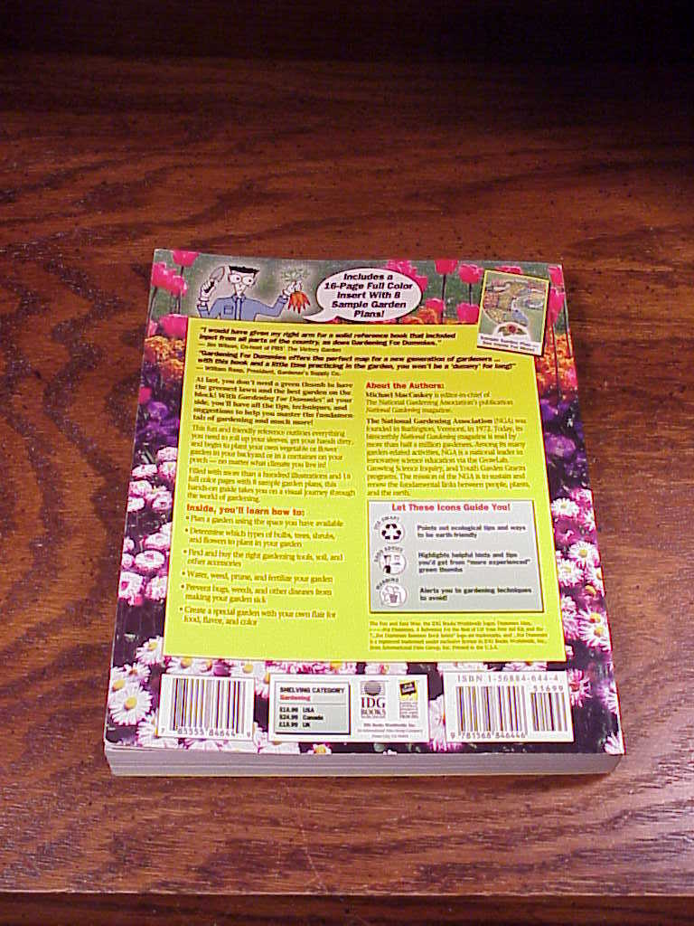 Gardening For Dummies Book, 1996, softback, published by IDG Books