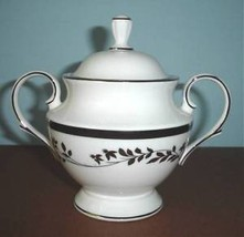 Lenox Jonquil Footed Sugar Bowl With Lid Platinum Trim Made/USA New - $36.90
