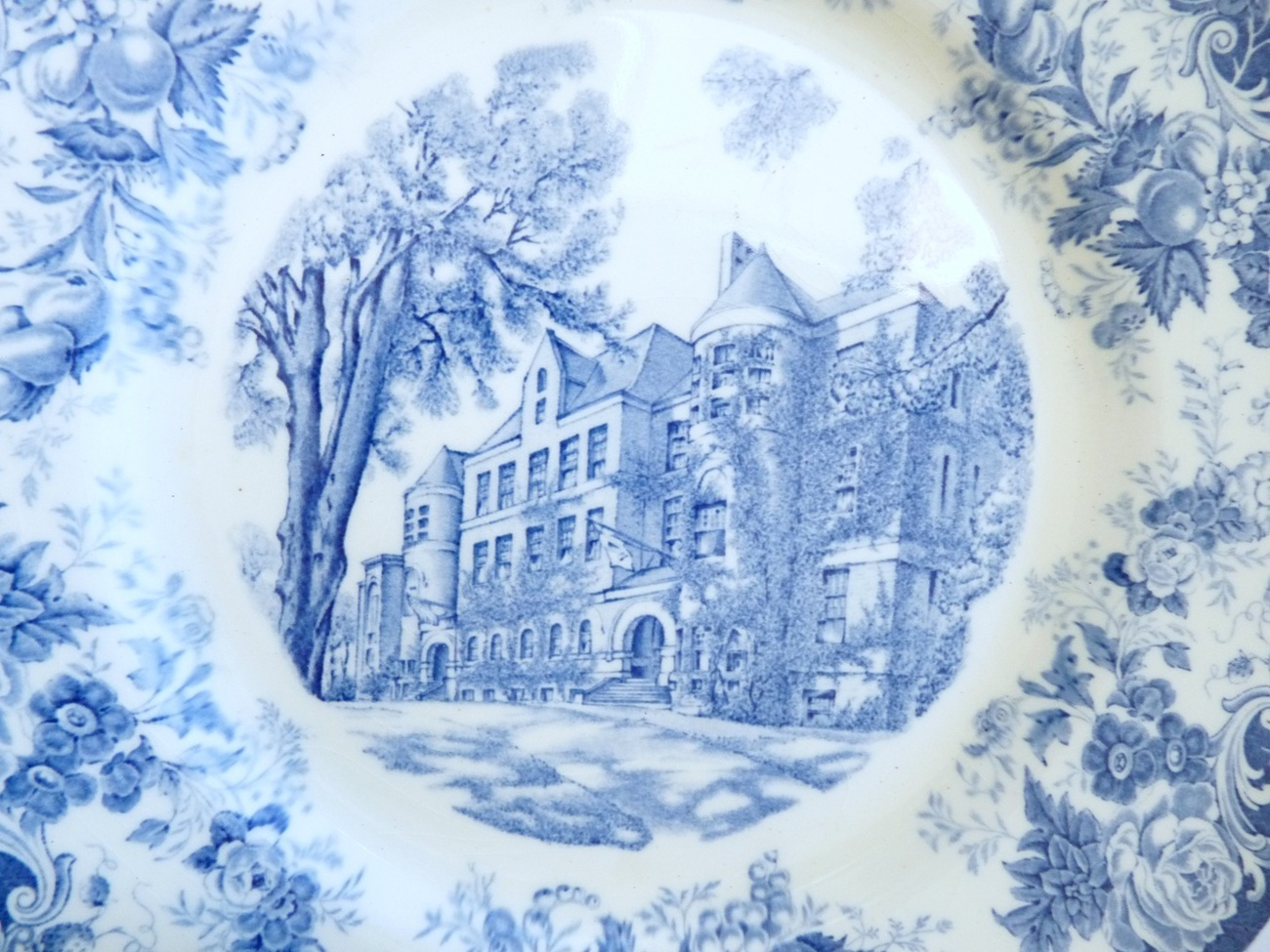 Framingham Normal School plate vintage 1930 May Hall MA college china flo blue