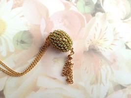 Egg Jewelry Swarovski Peridot Crystal Finch Egg Necklace With Tassle Gol... - $15.00