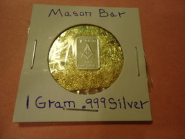"ONE GRAM (.999) SILVER-FREE MASON  & BAG OF FLAKES WITH ""MINUTE"" 24K GOL... - $2.50"