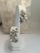 Vintage Weiss Rhinestone Clip Earrings Ice Navette Round Silvertone - $21.22