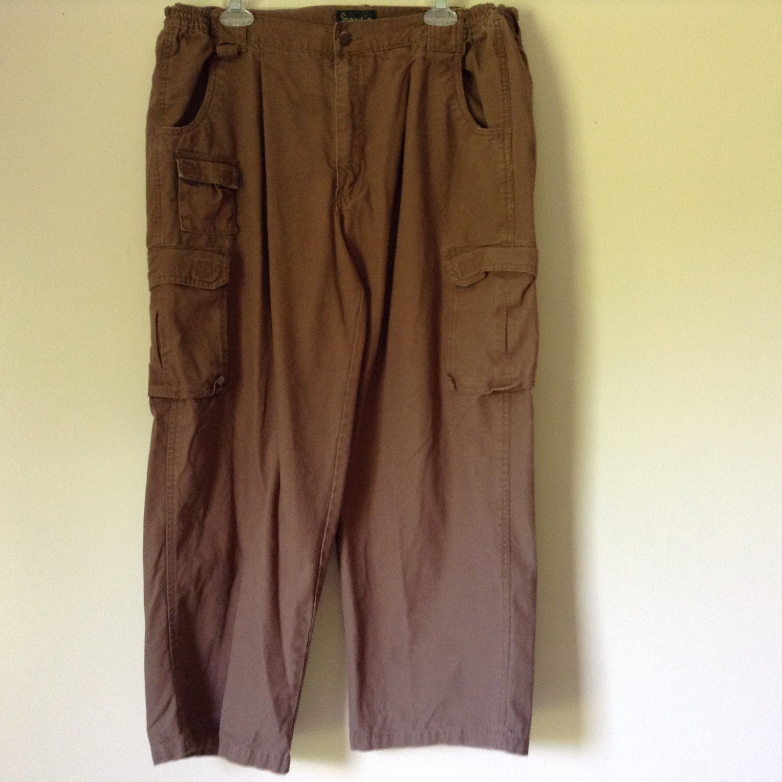 Brown Pants by Scandia Woods 100 Percent Cotton Lots of Pockets Size 40S