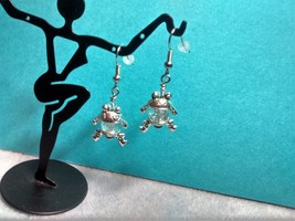 pretty clear crackled glass frog dangle earrings - $3.99