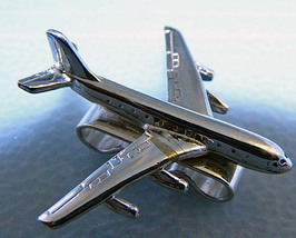 Boeing 747 String Tie Pendant Silvertone Airplane 1in - $8.00