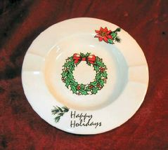 Vintage Happy Holidays Christmas Ashtray Wreath - $11.95