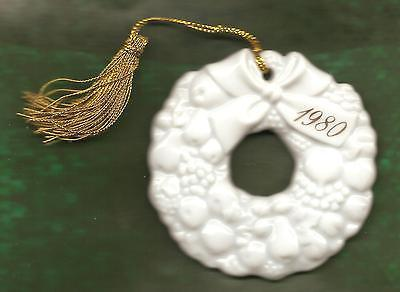 "Christmas Ornament Ceramic Wreath ""1980"" Approx 2 3/4"" diameter (NO BOX) (Avon)"