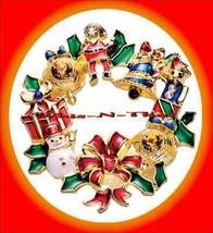 Christmas PIN Avon Wreath Goldtone Holiday Collectble @2010 - $23.71