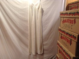 Vanity Fair Nylon White Slip w Adjustable Straps Sz 34LL